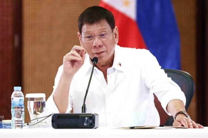 Ông Duterte rút lui, cho con gái ra tranh cử tổng thống Philippines để bảo vệ cha? ảnh 1
