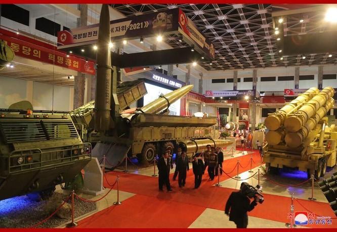 Xem tên lửa siêu thanh Hwasong-8 và các vũ khí mới được Triều Tiên trưng bày ảnh 6