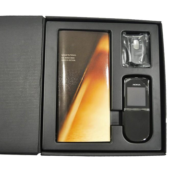 """Phiên bản Nokia 8 kỷ niệm """"huyền thoại"""" 8800 Sirocco sẽ ra mắt cuối tháng 2? ảnh 1"""