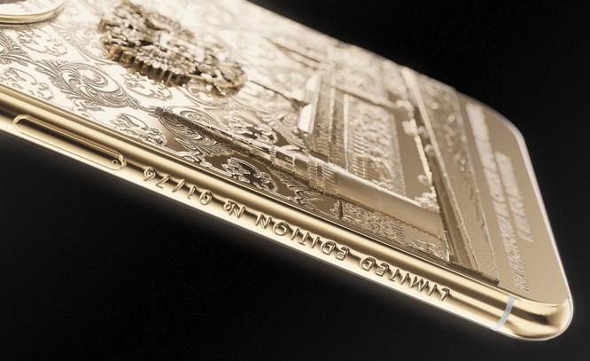 Ngắm iPhone X bằng vàng ròng mừng ông Putin tái đắc cử tổng thống ảnh 4