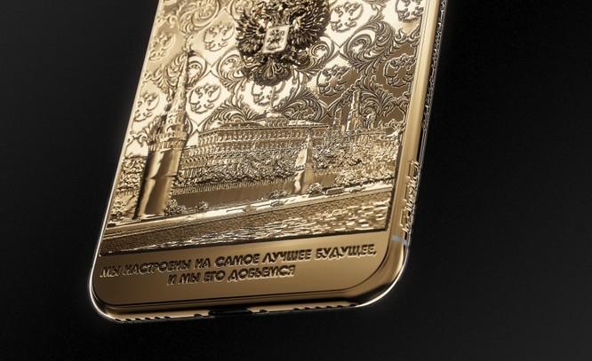 Ngắm iPhone X bằng vàng ròng mừng ông Putin tái đắc cử tổng thống ảnh 3