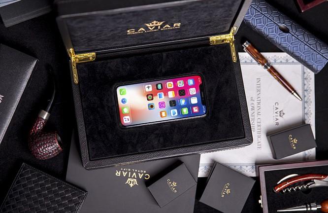Ngắm iPhone X bằng vàng ròng mừng ông Putin tái đắc cử tổng thống ảnh 1