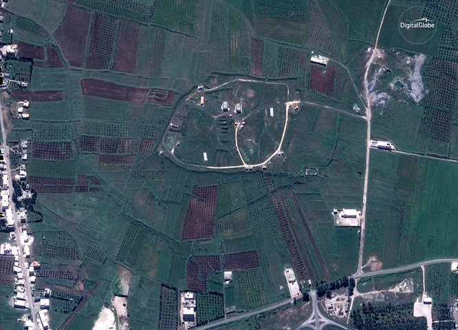 """76 tên lửa liên quân Mỹ """"làm cỏ"""" trung tâm khoa học Syria qua hình ảnh vệ tinh ảnh 3"""