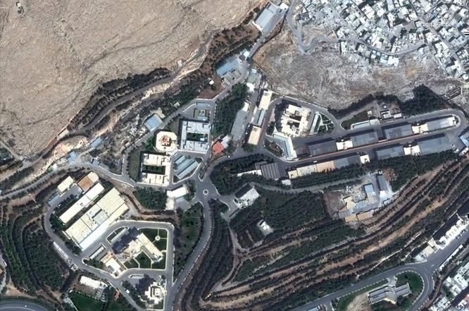 """76 tên lửa liên quân Mỹ """"làm cỏ"""" trung tâm khoa học Syria qua hình ảnh vệ tinh ảnh 5"""