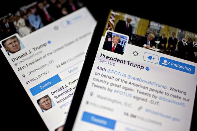 """Nhà chức trách Mỹ gọi điện thoại của Tổng thống Donald Trump là """"cơn ác mộng"""" với an ninh quốc gia ảnh 1"""