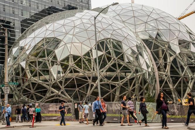 Lắng nghe tâm sự của tỷ phú Amazon Jeff Bezos về phương châm sống ảnh 2