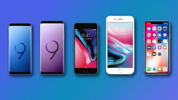 Đừng nhầm tưởng người dùng đang quay lưng lại với iPhone X ảnh 2