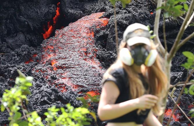 Hãi hùng cảnh núi lửa Kilanuea phun trào tạo nên cột khói bụi cao hàng nghìn mét trên bầu trời Hawaii ảnh 12