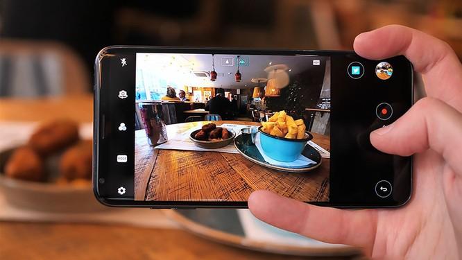 Mua điện thoại cao cấp cũ còn hơn mua điện thoại tầm trung mới: quan điểm này liệu có đúng? ảnh 3