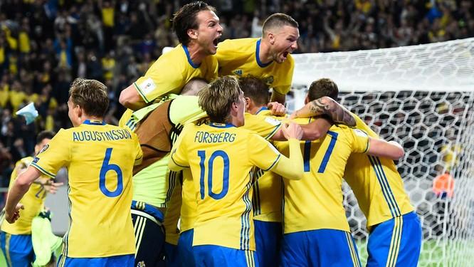 """Hàn Quốc chơi bài """"dị"""" làm khó trinh sát viên đội Thụy Điển ảnh 1"""