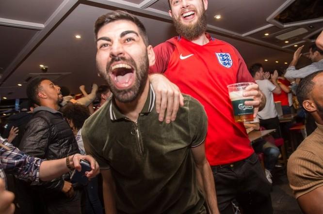Sau cú đúp của Harry Kane, người Anh ăn mừng như vừa vô địch World Cup ảnh 5