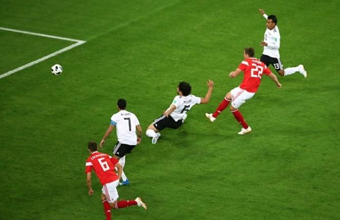5 dư âm sau trận Nga 3-1 Ai Cập: Chủ nhà tiễn Salah, đặt một chân vào vòng 1/16 ảnh 8