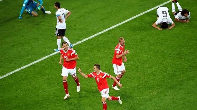 5 dư âm sau trận Nga 3-1 Ai Cập: Chủ nhà tiễn Salah, đặt một chân vào vòng 1/16 ảnh 2