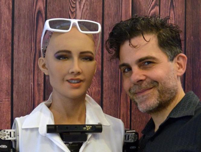 """""""Công dân Robot"""" đầu tiên trên thế giới sẽ ghé thăm Hà Nội trong tháng 7 ảnh 2"""