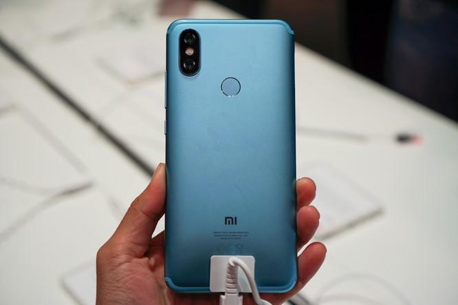 Trên tay bộ đôi Android One Xiaomi tầm trung: Mi A2 và Mi A2 Lite, giá khởi điểm dưới 5 triệu đồng ảnh 3
