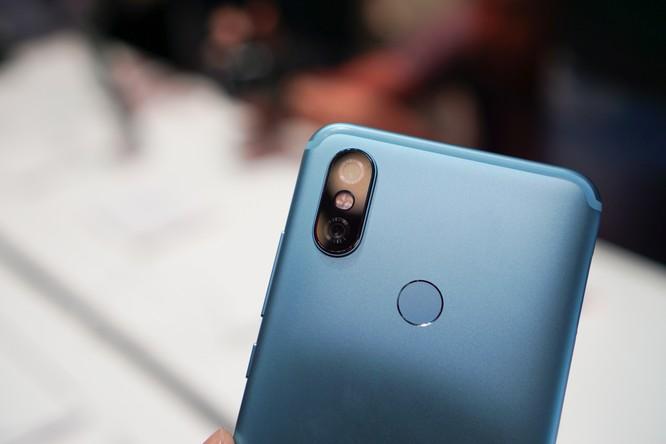 Trên tay bộ đôi Android One Xiaomi tầm trung: Mi A2 và Mi A2 Lite, giá khởi điểm dưới 5 triệu đồng ảnh 7
