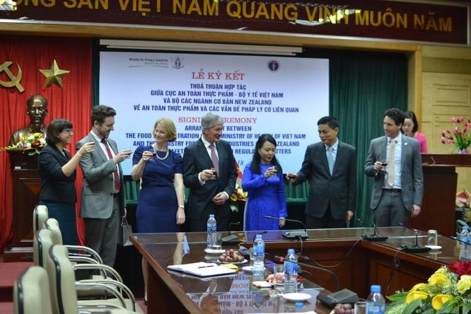 Việt Nam - New Zealand ký thỏa thuận hợp tác về An toàn thực phẩm ảnh 2