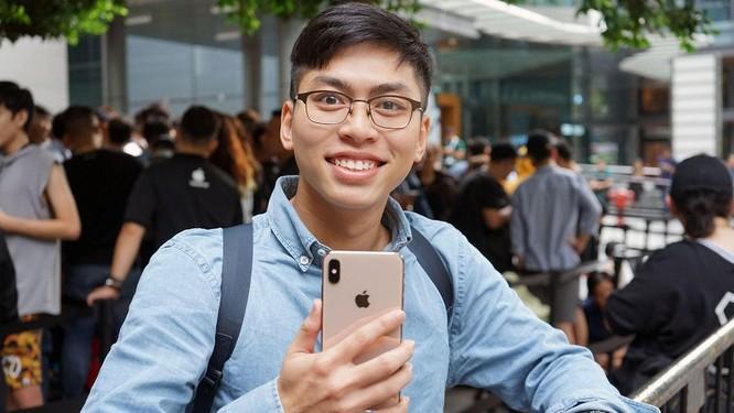 """Hàng dài người xếp hàng khi """"cơn sốt iPhone Xs"""" quét qua Australia và Singapore ảnh 11"""