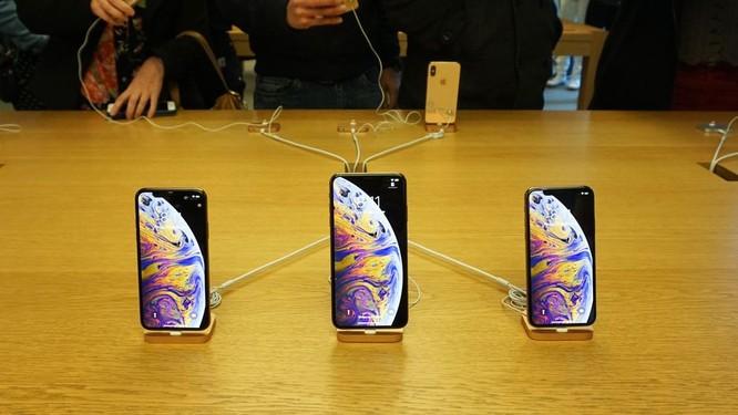 """Hàng dài người xếp hàng khi """"cơn sốt iPhone Xs"""" quét qua Australia và Singapore ảnh 1"""