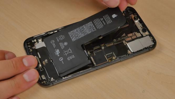 """""""Nội soi"""" iPhone Xs: Pin liền chữ L, kết cấu chắc chắn nhưng cực khó sửa chữa ảnh 4"""