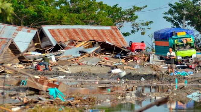 Đã có 384 người thiệt mạng, hàng trăm người bị thương sau động đất và sóng thần tại Indonesia ảnh 1