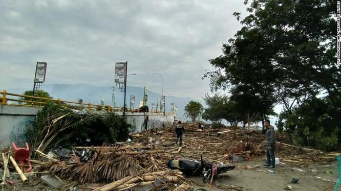 Đã có 384 người thiệt mạng, hàng trăm người bị thương sau động đất và sóng thần tại Indonesia ảnh 2