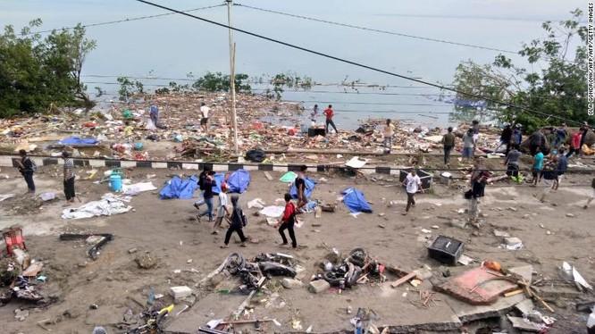 Đã có 384 người thiệt mạng, hàng trăm người bị thương sau động đất và sóng thần tại Indonesia ảnh 3