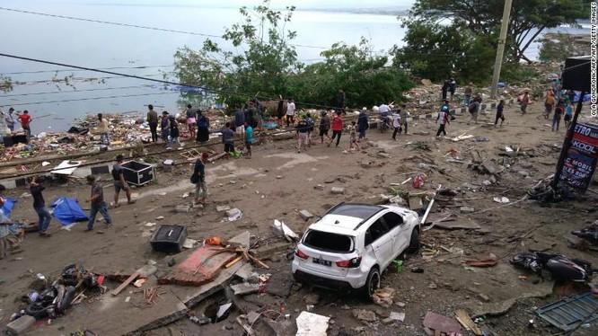 Đã có 384 người thiệt mạng, hàng trăm người bị thương sau động đất và sóng thần tại Indonesia ảnh 4