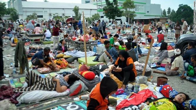 Đã có 384 người thiệt mạng, hàng trăm người bị thương sau động đất và sóng thần tại Indonesia ảnh 5