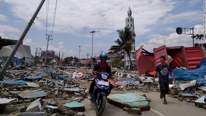 Đã có 384 người thiệt mạng, hàng trăm người bị thương sau động đất và sóng thần tại Indonesia ảnh 6