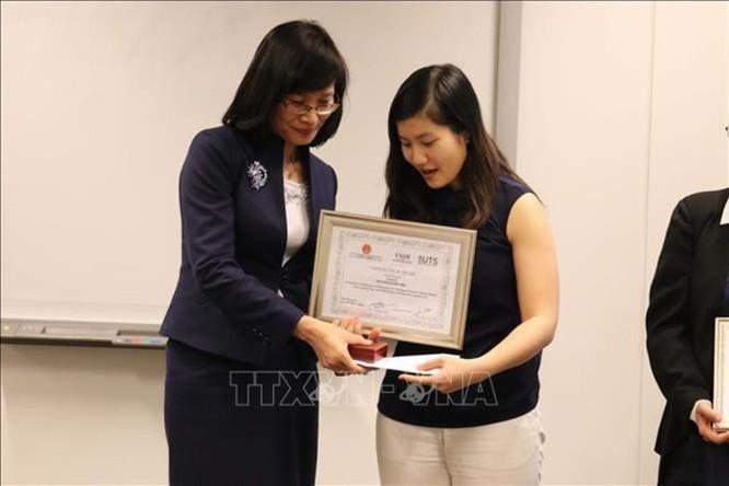 Cô gái Việt đoạt giải thưởng khoa học dành cho người Việt tại Australia ảnh 1