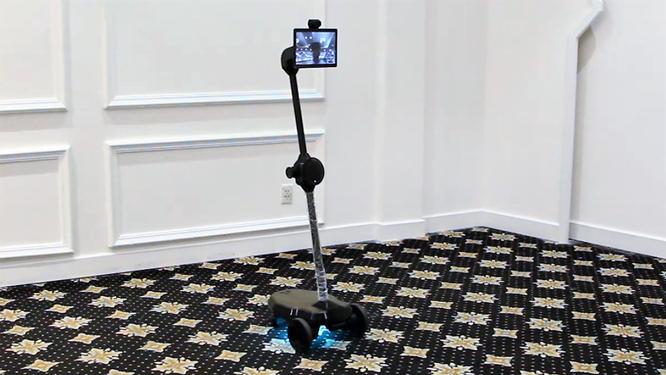 Ohmni Bot - Telepresence robot sản xuất bằng công nghệ in 3D của người Việt