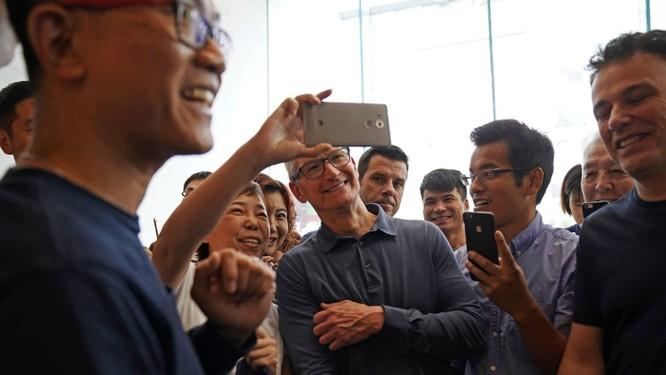 """Giữa """"tâm bão"""" chip gián điệp và chiến tranh thương mại, CEO Apple thân chinh đến Trung Quốc nhằm mục đích gì? ảnh 4"""