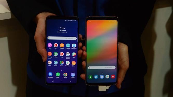 """Chiêm ngưỡng hình ảnh """"bằng da, bằng thịt"""" đầu tiên của smartphone gập do Samsung phát triển ảnh 6"""