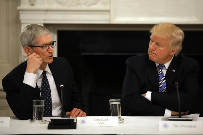 Apple và đối tác lao đao sau tuyên bố áp thuế iPhone của Tổng thống Trump ảnh 1