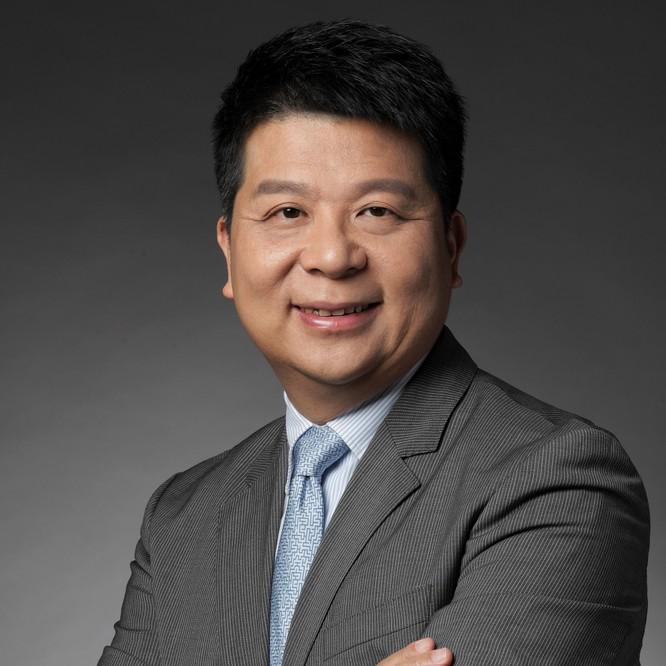 """Chủ tịch Huawei tuyên bố: """"Không một khó khăn nào có thể cản bước chúng tôi"""" ảnh 2"""