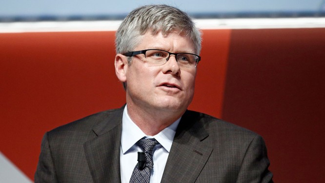 """Tim Cook """"khẩu chiến"""" với CEO Qualcomm, tuyên bố không giải quyết tranh chấp trên bàn đàm phán ảnh 1"""