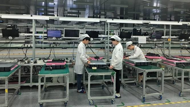 Căng thẳng Mỹ-Trung có khiến Foxconn tháo chạy khỏi dự án sản xuất màn hình trị giá 20 tỷ USD? ảnh 1