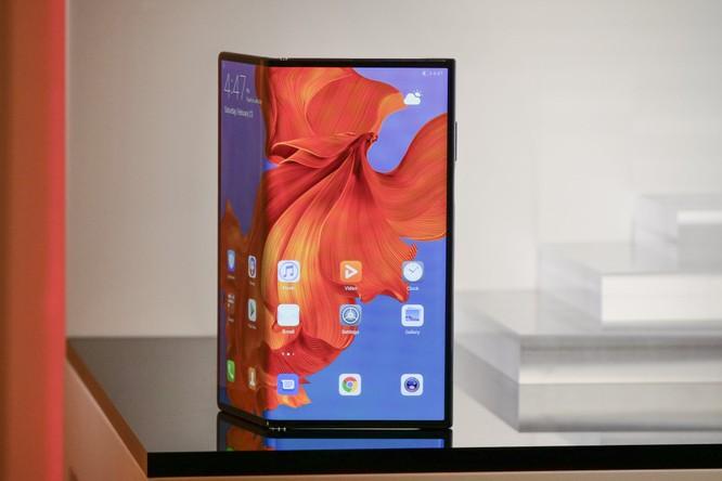 Huawei ra mắt Mate X: Smartphone gập, hỗ trợ 5G và đắt nhất thế giới ảnh 1