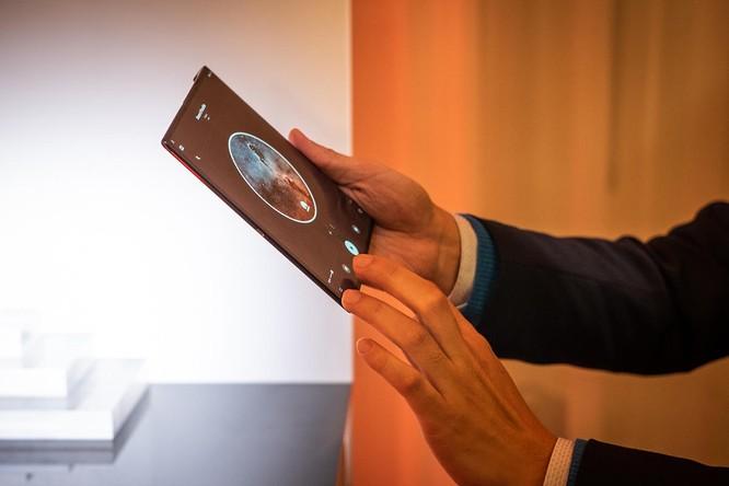Huawei ra mắt Mate X: Smartphone gập, hỗ trợ 5G và đắt nhất thế giới ảnh 7