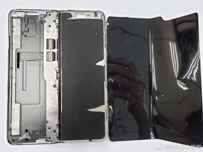 iFixit giải mã nguyên nhân gây nên sự cố trên Galaxy Fold ảnh 1