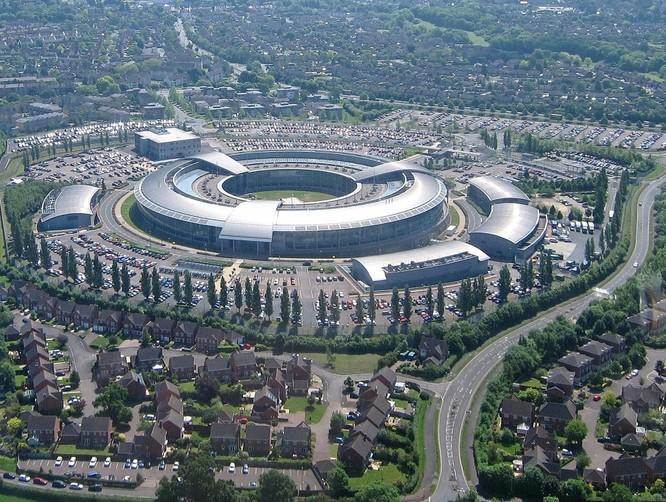 """Mỹ cảnh báo Anh: Huawei """"không đáng tin cậy"""" ảnh 1"""