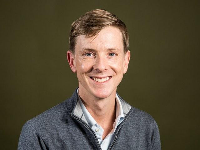 Chris Hughes, nhà đồng sáng lập đòi xẻ nhỏ Facebook là ai? ảnh 15
