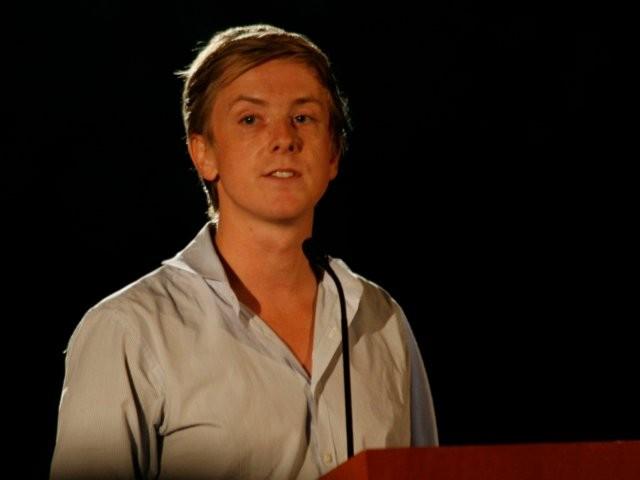Chris Hughes, nhà đồng sáng lập đòi xẻ nhỏ Facebook là ai? ảnh 9
