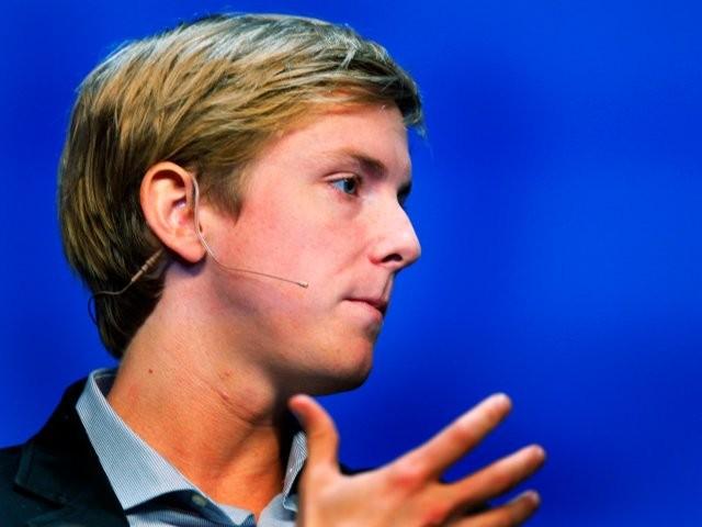 Chris Hughes, nhà đồng sáng lập đòi xẻ nhỏ Facebook là ai? ảnh 18