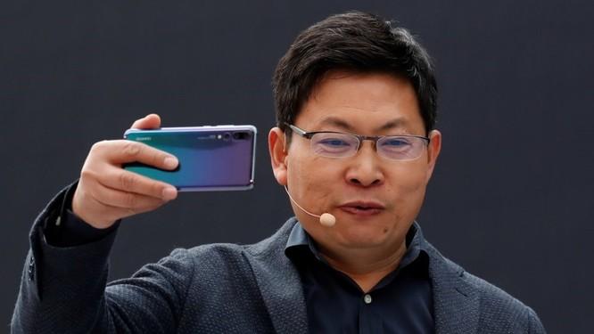 Bị tấn công trên mọi mặt trận, Huawei đã tìm ra phương án B để thay thế Android, Play Store ảnh 3