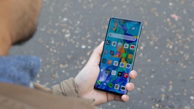 Bị tấn công trên mọi mặt trận, Huawei đã tìm ra phương án B để thay thế Android, Play Store ảnh 1