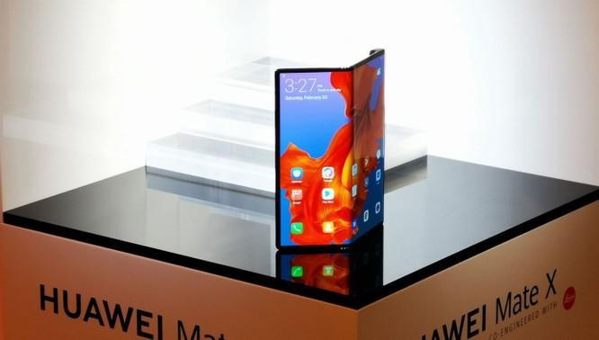 Bị tấn công trên mọi mặt trận, Huawei đã tìm ra phương án B để thay thế Android, Play Store ảnh 6