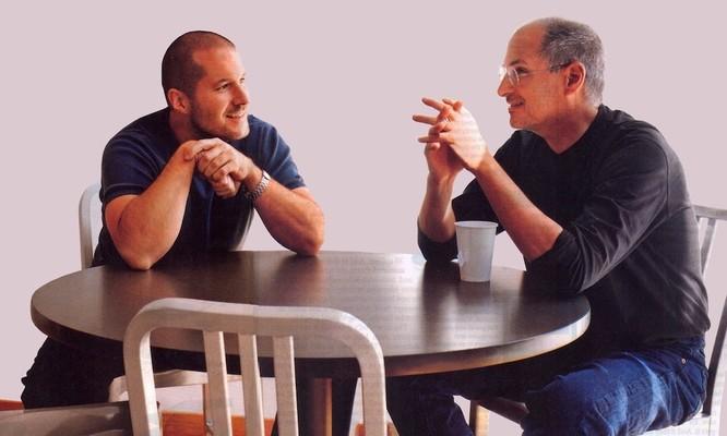 Lý do thực sự đằng sau sự ra đi của Jony Ive: Mâu thuẫn nội bộ với CEO Tim Cook ảnh 2