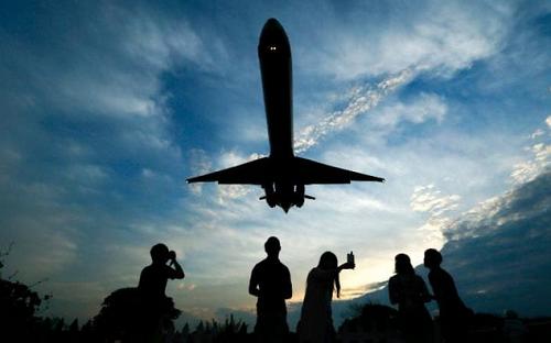 Tin tặc có thể khống chế máy bay thông qua hệ thống giải trí ảnh 1